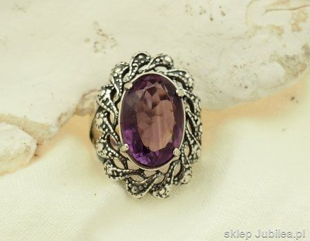Naturalny ametyst srebrny pierścień castellon