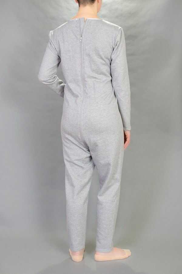 Piżama jednoczęściowa-dres z zamkiem w kroku