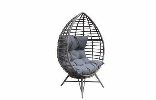Sielski fotel ogrodowy kula na nóżkach