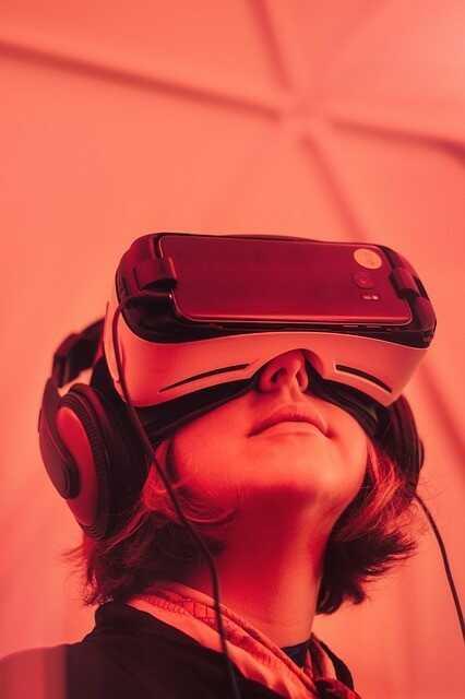 Wycieczka po świecie wirtualnej rzeczywistości  Reda