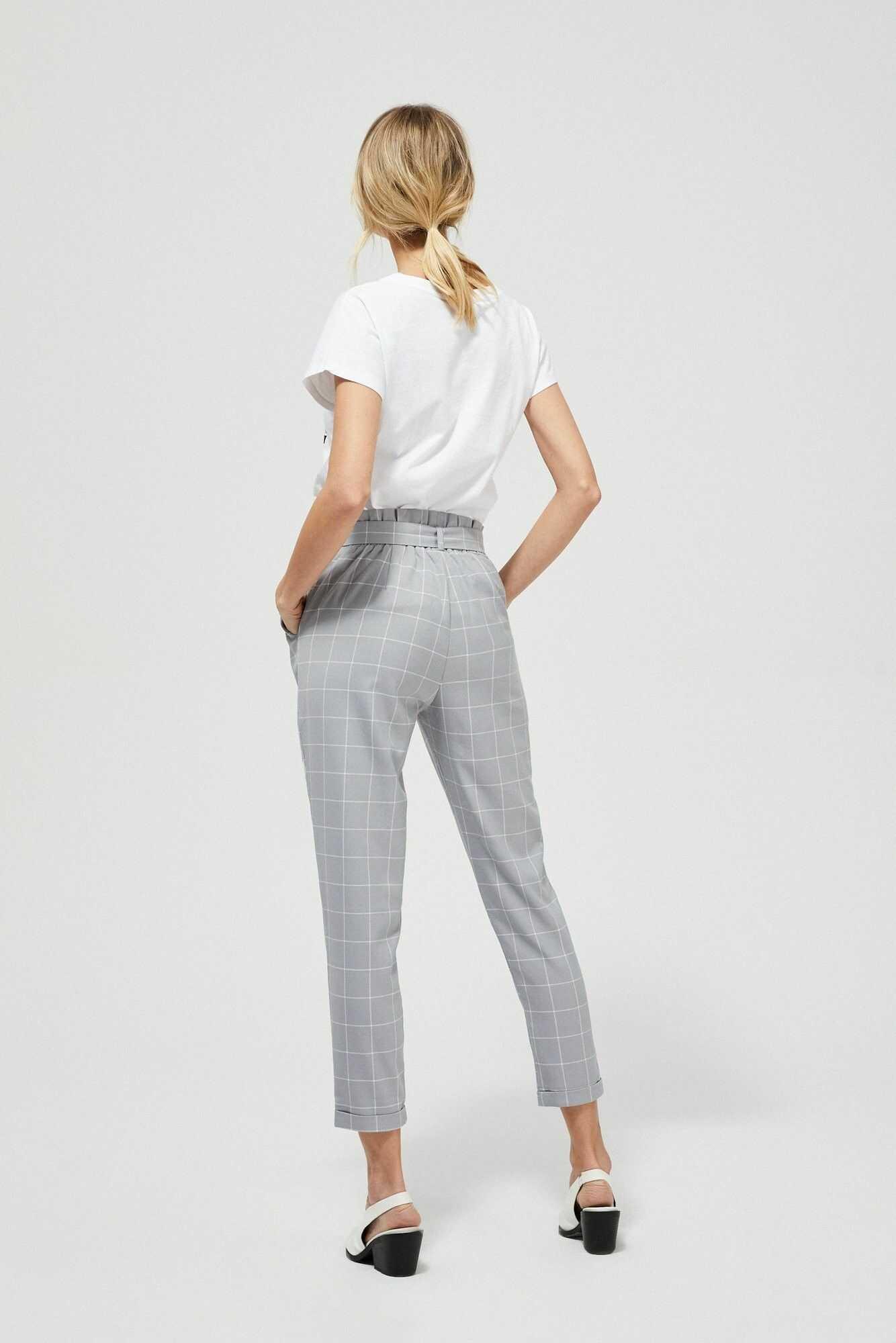 Spodnie w kratę z marszczoną talią