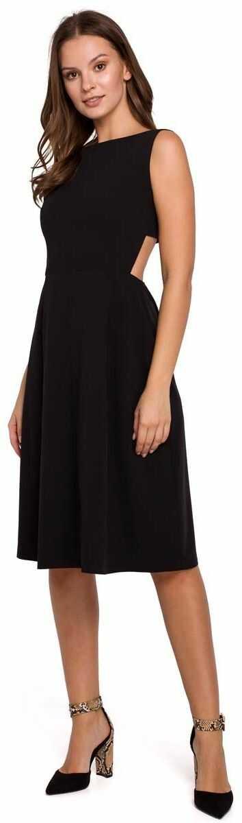 czarna wieczorowa sukienka z odkrytymi plecami