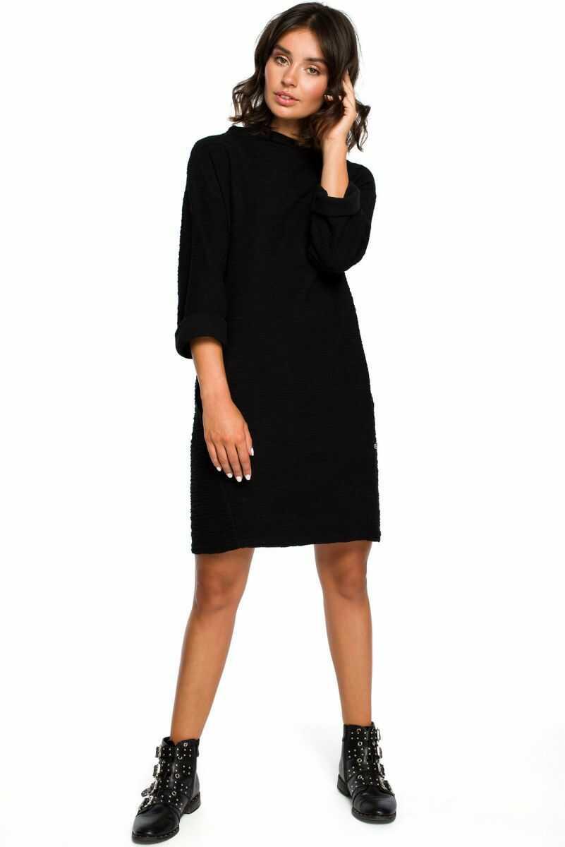 B096 Sukienka z kieszeniami na przodzie - czarna