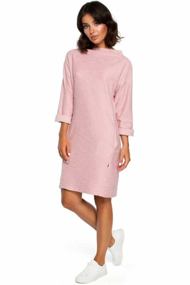 B096 Sukienka z kieszeniami na przodzie - pudrowa