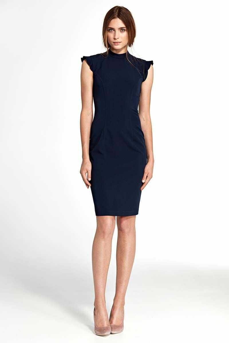 Granatowa dopasowana sukienka z falbankami na ramionach