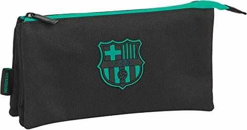 Piórnik Triple firmy F.C. Barcelona 3a Team 20/21, 220 x 30 x 120 mm.