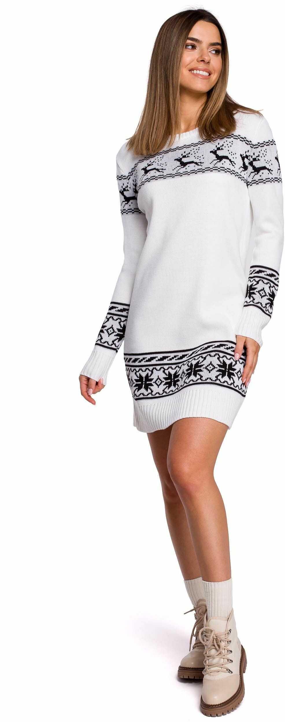 Biała prosta swetrowa sukienka ze świątecznym motywem