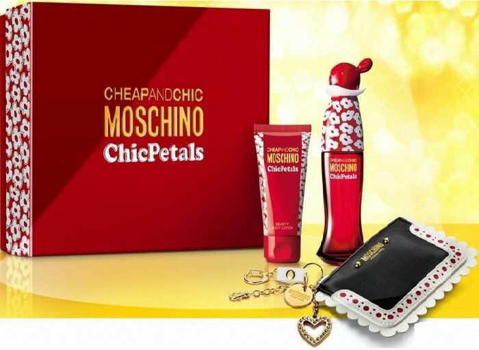 Moschino Cheap And Chic Chic Petals - damska EDT 50 ml + mleczko do ciała 50 ml + portfel