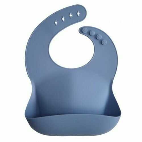 Śliniak silikonowy z kieszonką Powder Blue Mushie