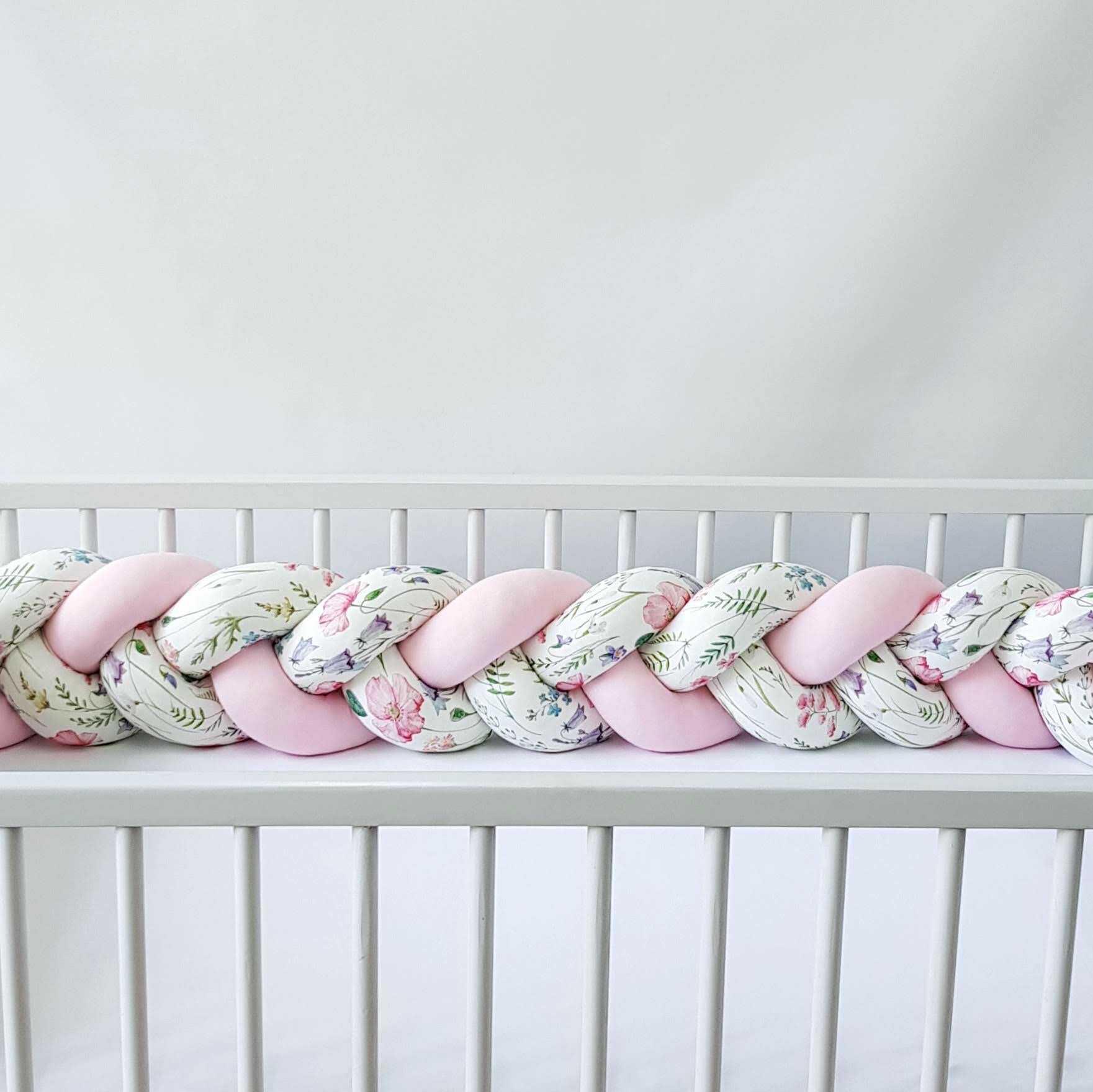 Warkocz do łóżeczka  ochraniacz warkocz pleciony łąka-różowy
