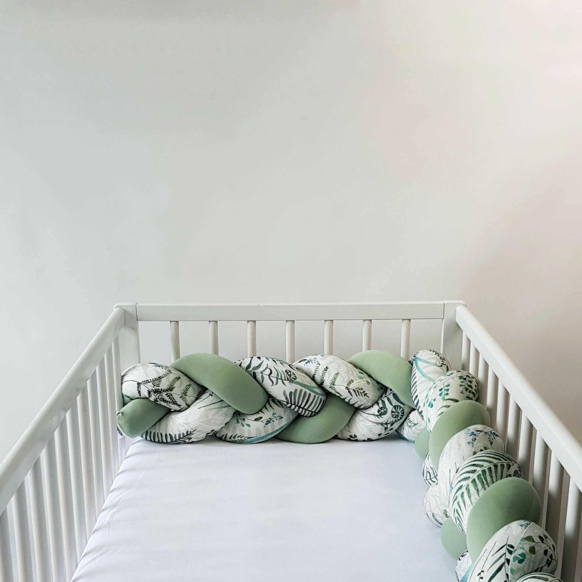 Warkocz do łóżeczka  ochraniacz warkocz pleciony paprocie-szałwia