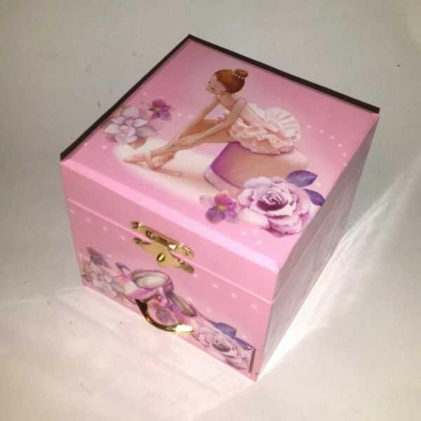 Pudełko na biżuterię z baletnicą Minuet Mozarta