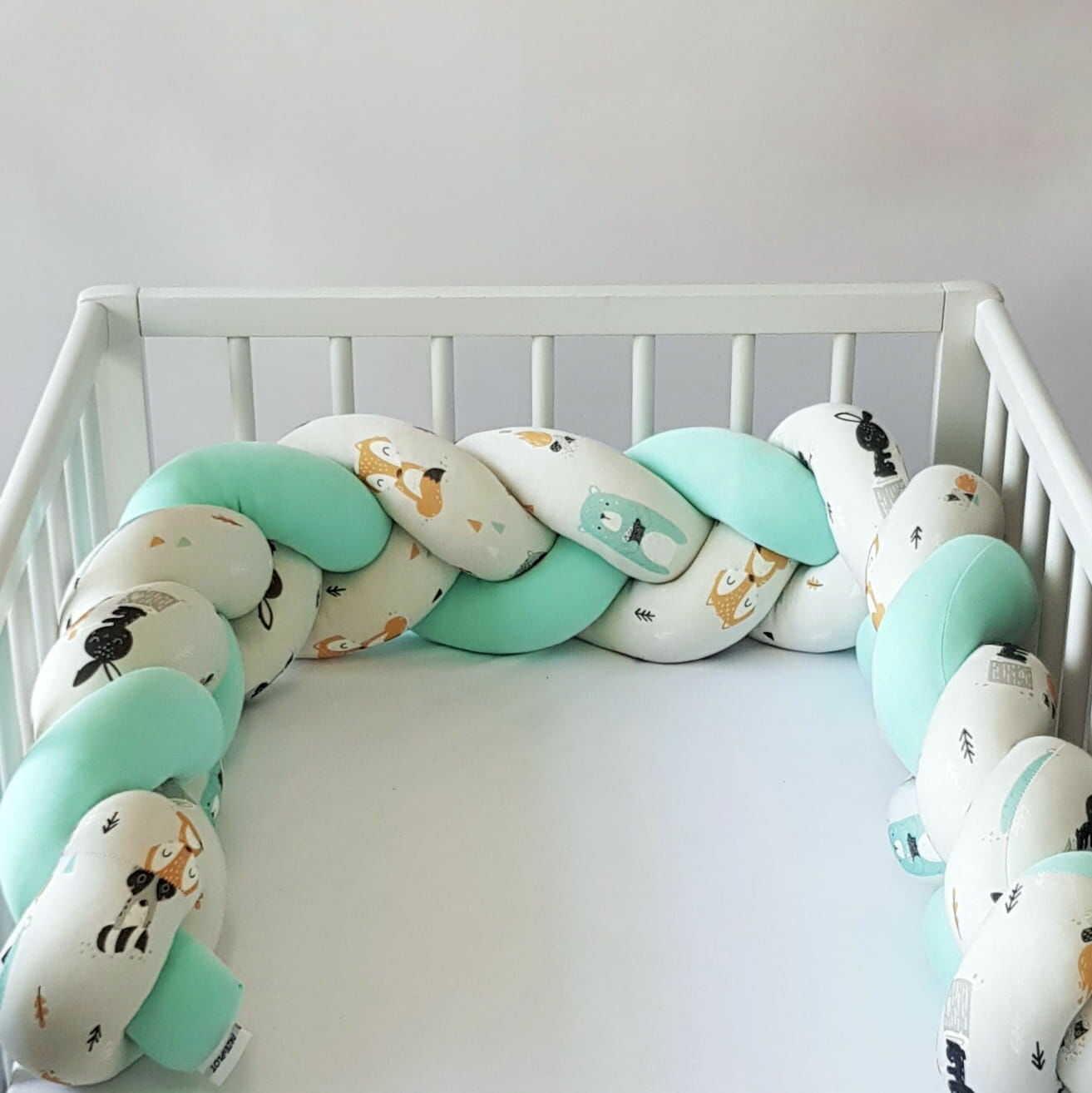 Warkocz do łóżeczka  ochraniacz warkocz pleciony zielony-leśne zwierzaki