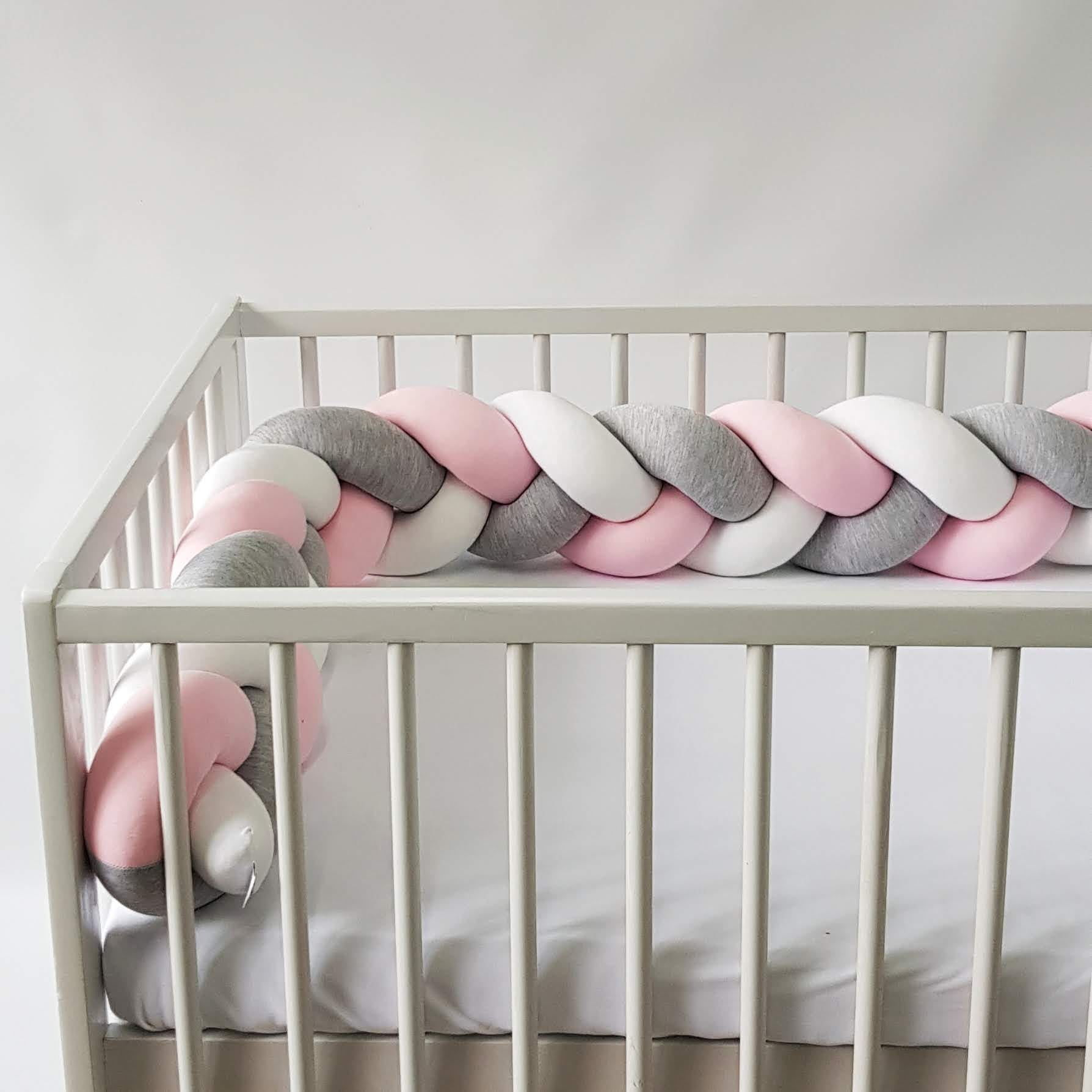 Warkocz do łóżeczka  ochraniacz warkocz pleciony biały-szary-różowy