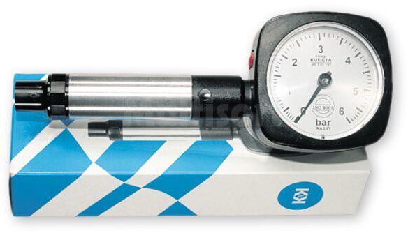 Ciśnieniomierz samochodowy 0-6 bar