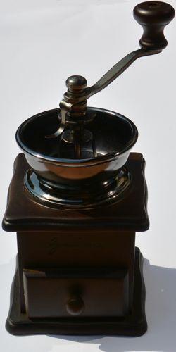Ręczny drewniany młynek do kawy, Ogniora