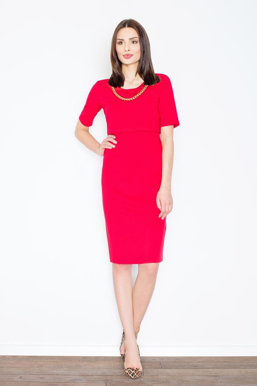 Czerwona elegancka midi sukienka z biżuteryjnym łańcuszkiem