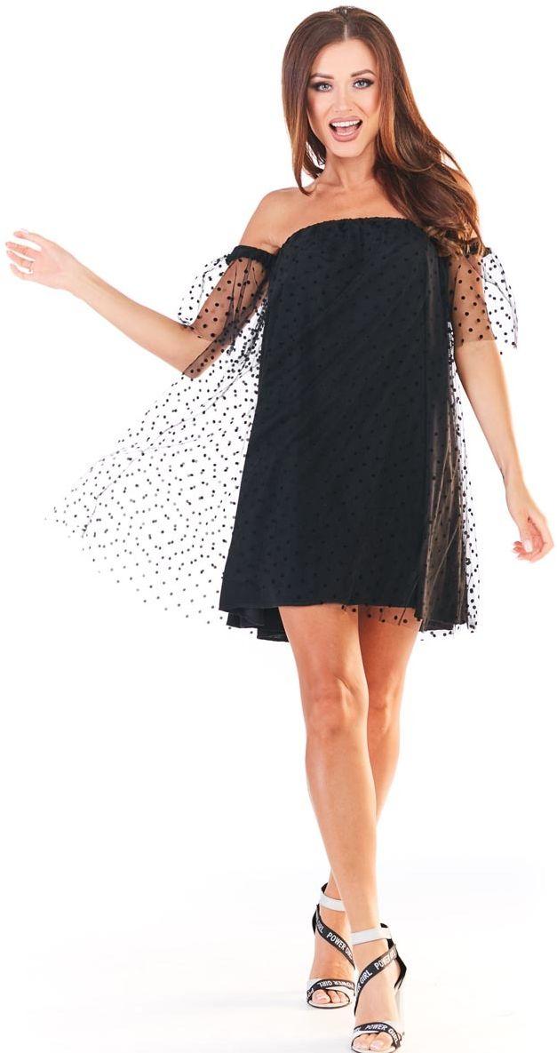 Czarna sukienka typu hiszpanka z siateczką w groszki