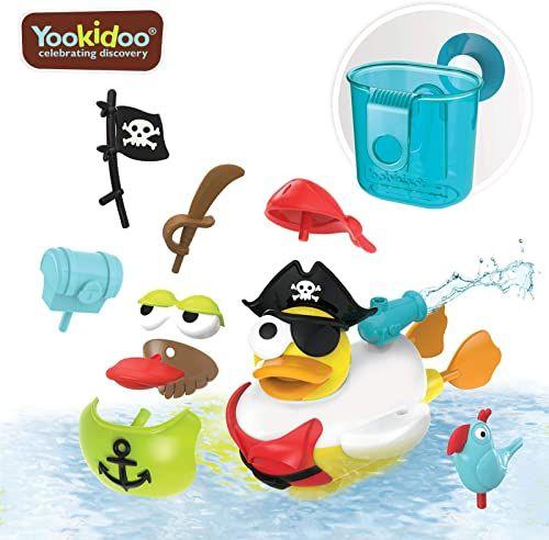 Yookidoo Kaczka Jet Create a Pirate, Zasilany na baterie z 15 akcesoriami o tematyce pirackiej, pojemnik do przechowywania miarki i wieszak na przyssawki