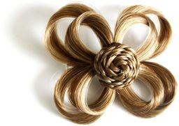 Love Hair Extensions Kwiat na zacisk krokodylkowy kolor 10 - średni popielaty brąz, 1 opakowanie (1 x 1 sztuka)