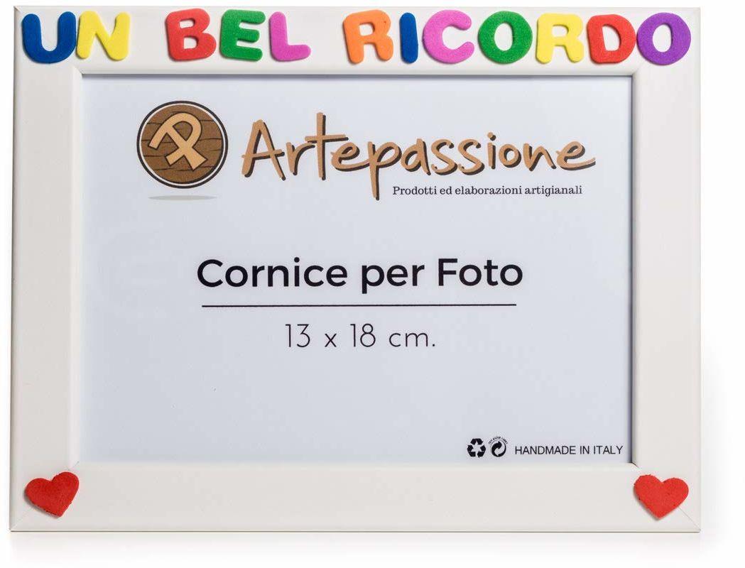 """Artepassion ramka na zdjęcia z drewna z napisem""""Eine schöne Erinnerund ozdobiona sercami, biała, 13 x 18 cm"""