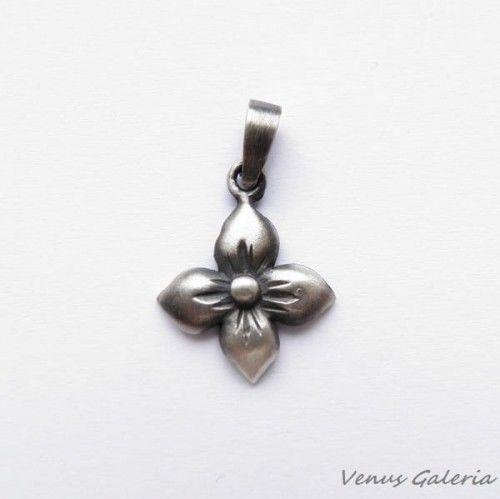 Zawieszka srebrna oksydowana- Kwiat gotycki