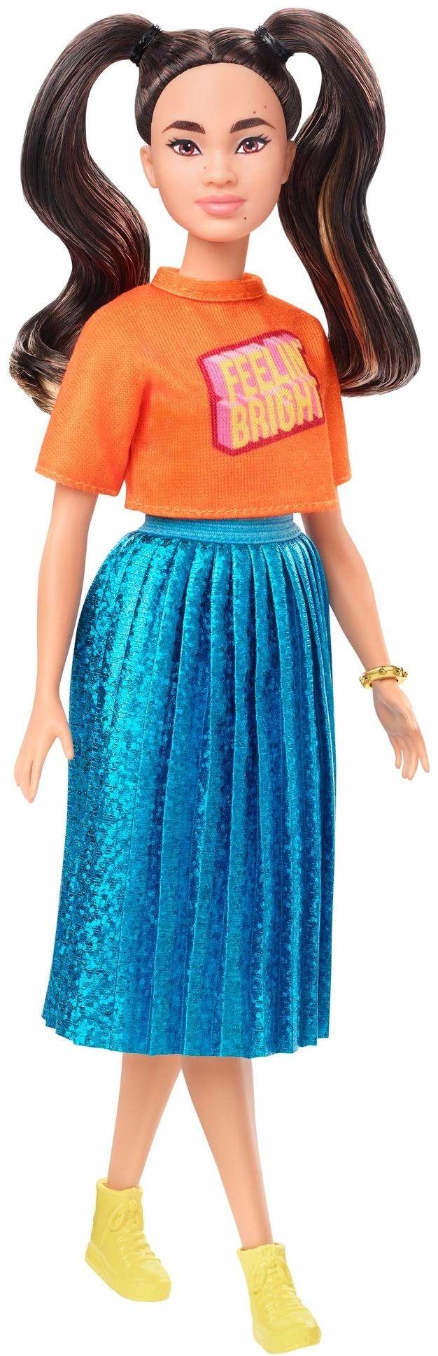 Barbie GHW59 - Barbie Fashionistas lalka 145 (brązowa) z niebiesko połyskującą spódnicą
