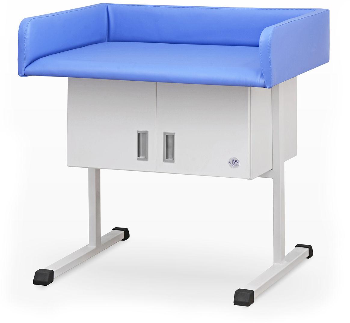 Stół do badań i przewijania niemowląt z szafką