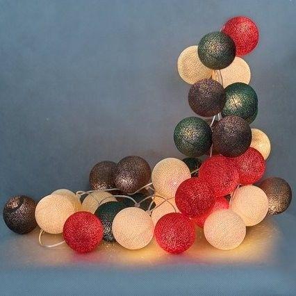 Kolorowe kulki LED kompozycja - Christmas time