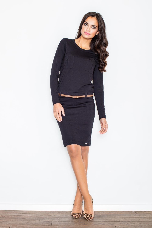 Czarna prosta dzianinowa sukienka z długim rękawem z paskiem z eko-skóry