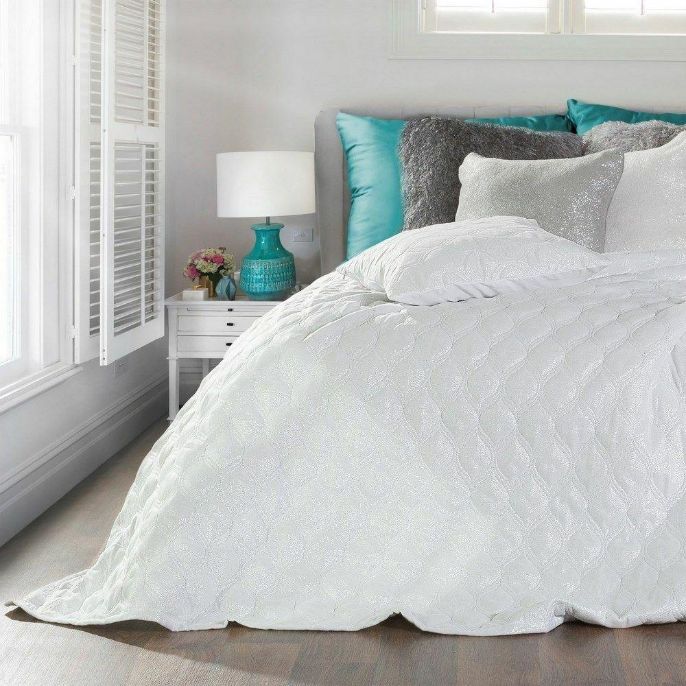 Narzuta na łóżko 170x210 Pola Biała 3765 pikowana orientalny wzór srebrne nitki