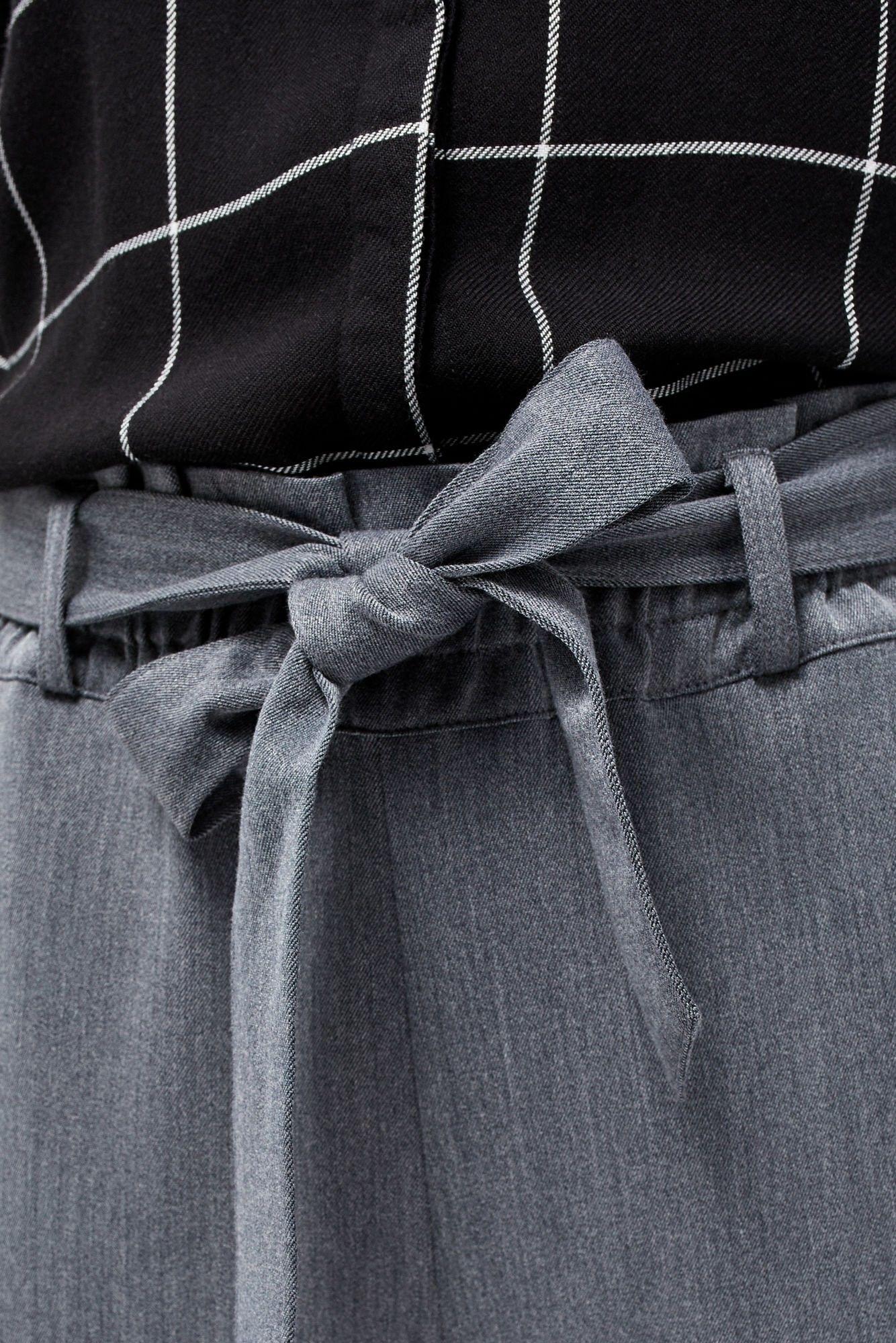 Spodnie z marszczoną talią