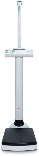 SECA 704s Waga kolumnowa z bezprzewodową transmisją danych i zintegrowanym wzrostomierzem