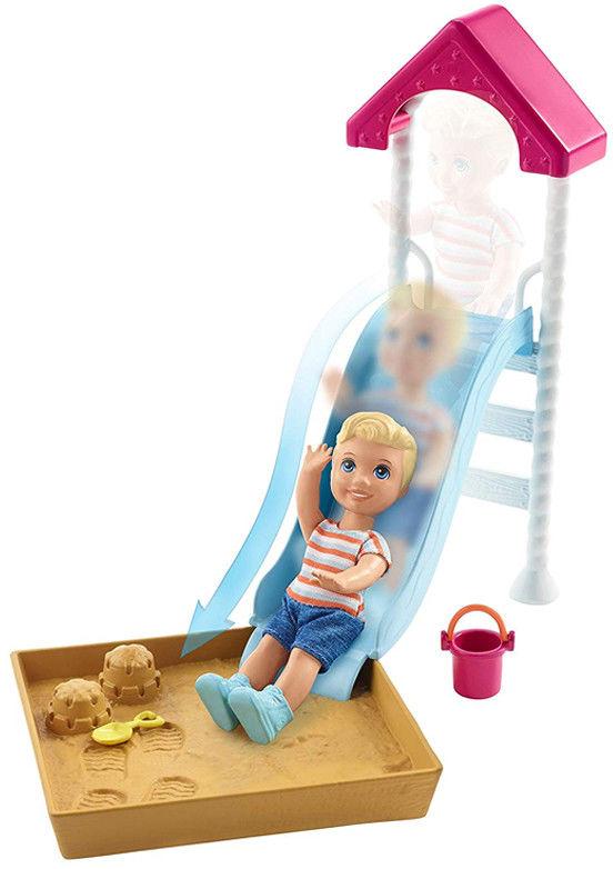 Barbie Klub opiekunek Plac zabaw z bobasem FXG96