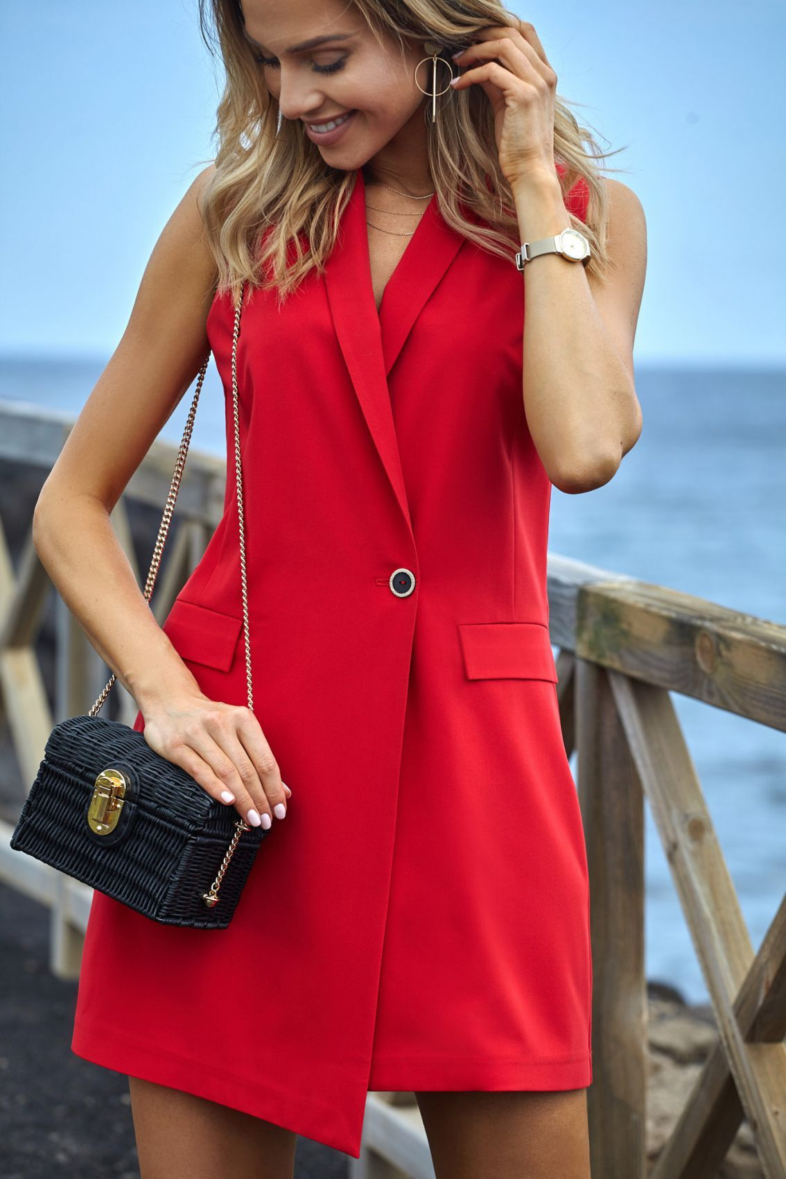 M439 Sukienka żakietowa bez rękawów - czerwona