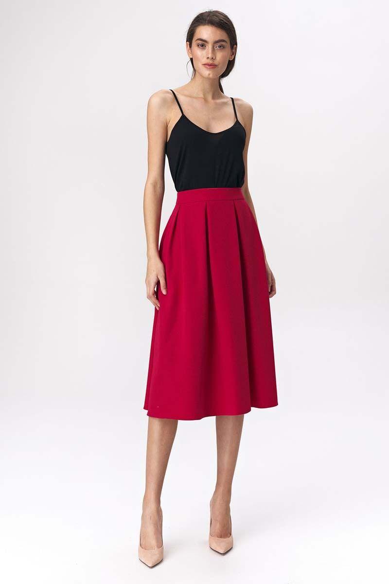 Czerwona rozkloszowana midi spódnica z głębokimi zakładkami
