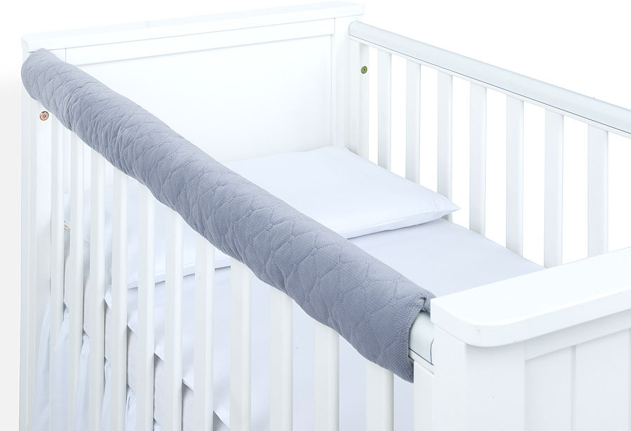 MAMO-TATO Ochraniacz na górną krawędź łóżeczka - Velvet Szary