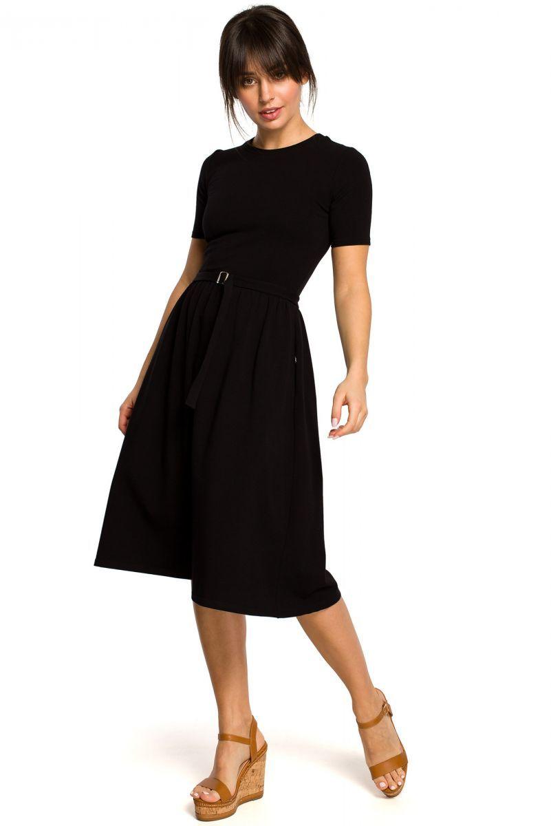B120 Sukienka z paskiem i klamerką - czarna