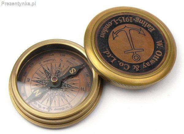Kompas w metalowym pudełku
