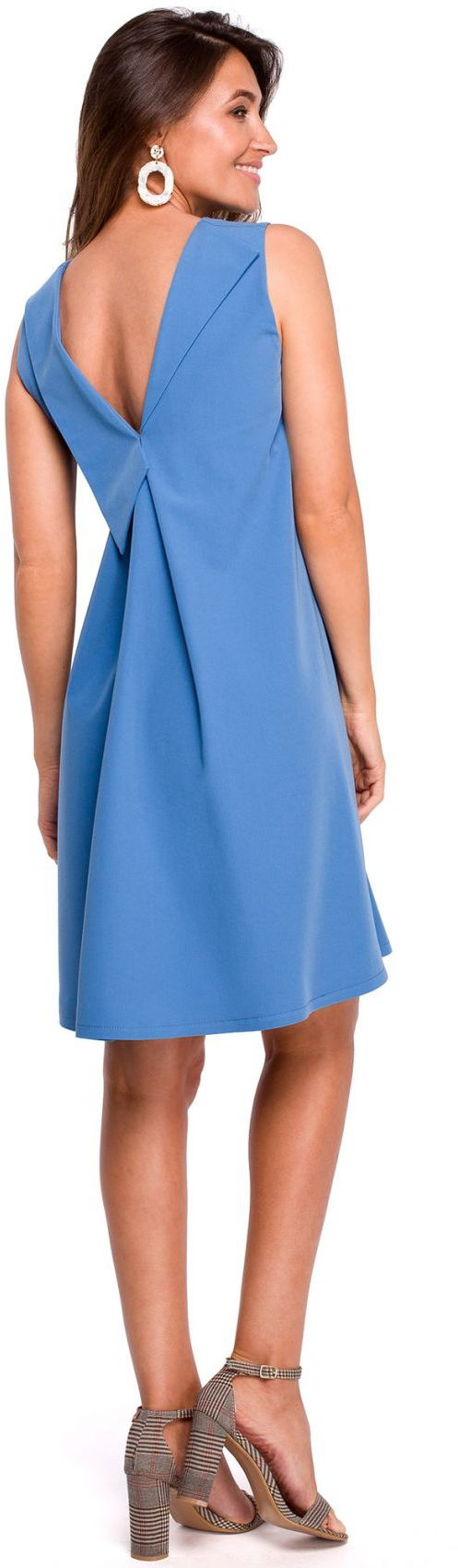 S157 Sukienka trapezowa z dekoltem z tyłu - niebieska