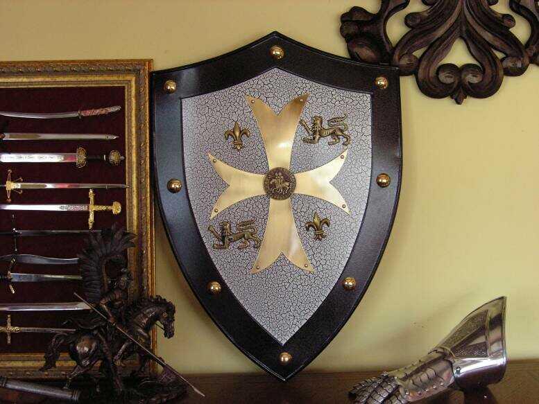 STALOWA TARCZA TEMPLARIUSZY (854)