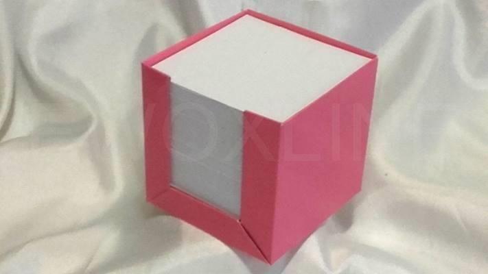 Notes pudełkowy różowy