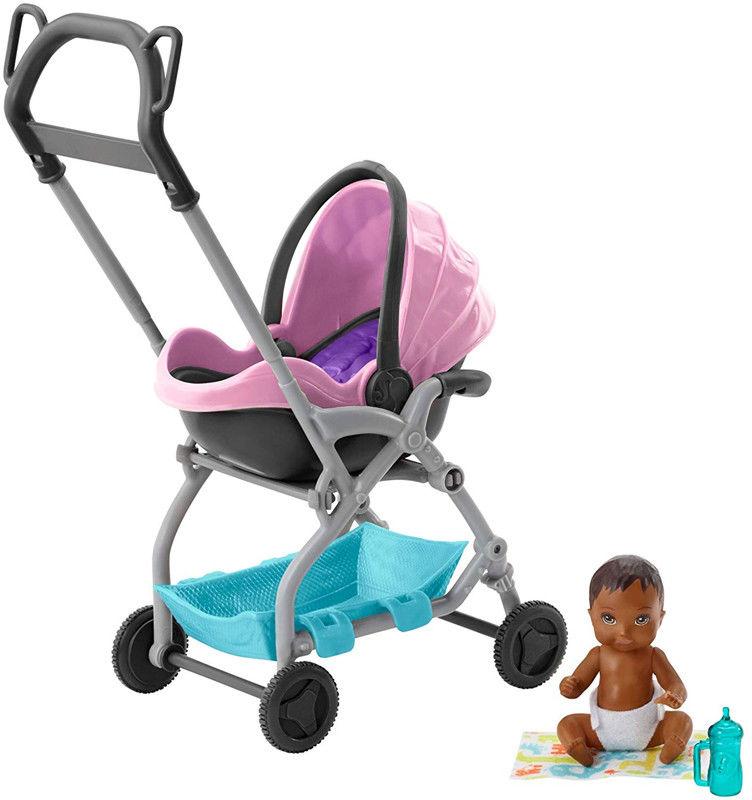 Barbie Klub opiekunek Wózek Nosidełko z bobasem FXG95