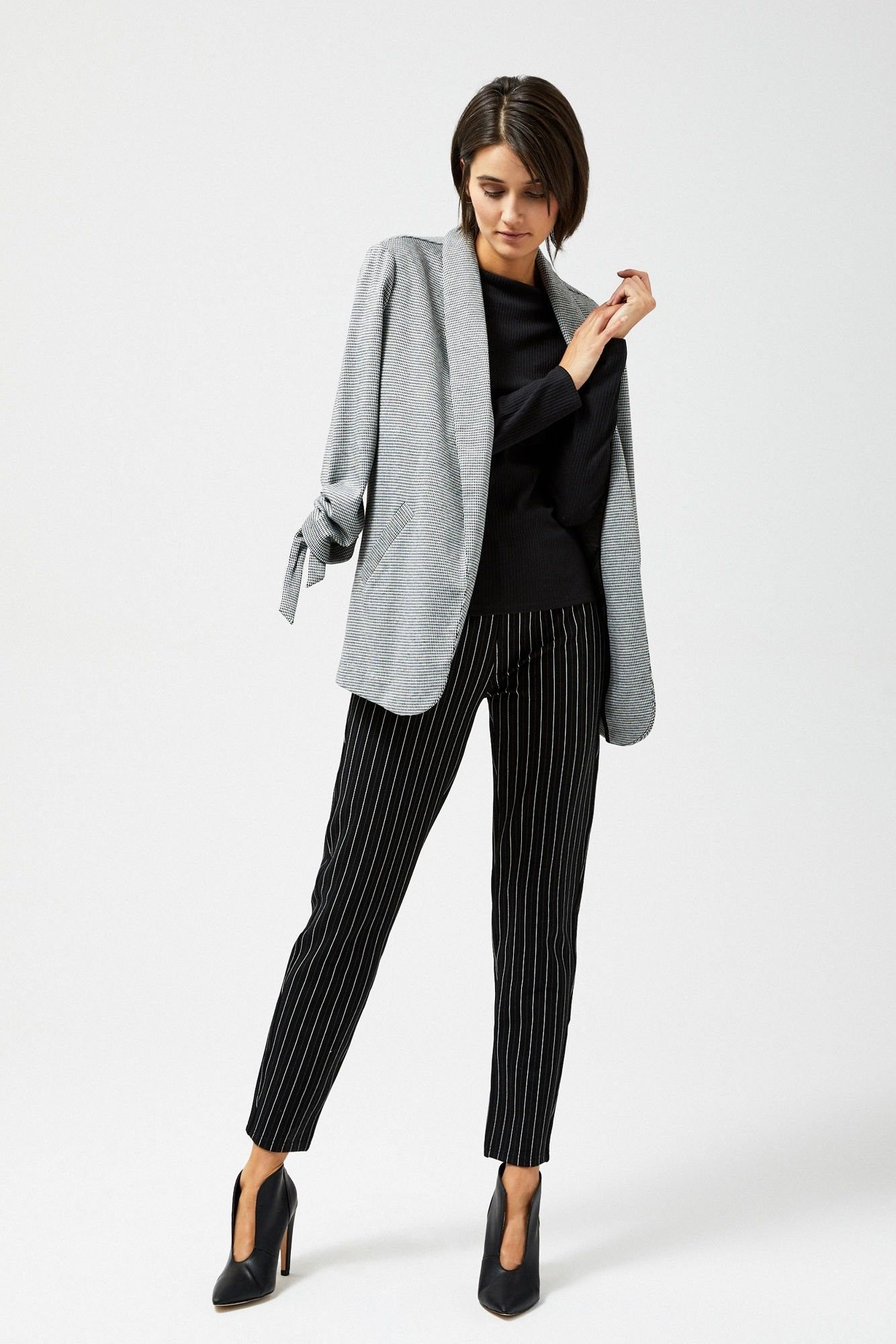 Spodnie w prążki