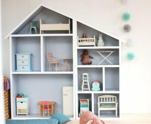Podwójny drewniany domek dla lalek