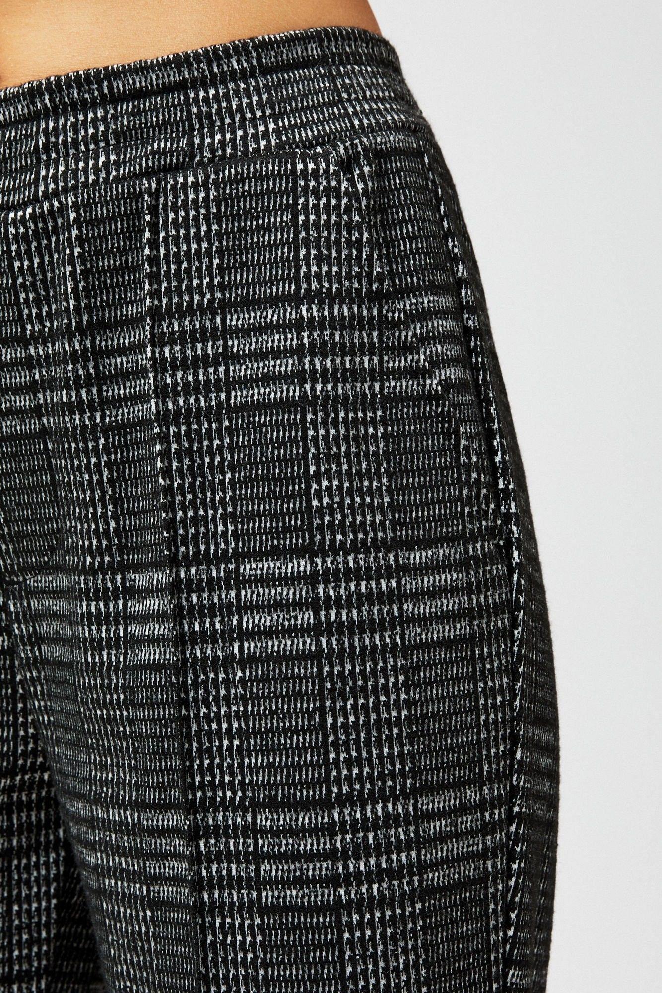 Spodnie na kant w kratę