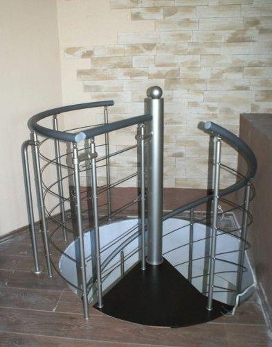 Balustrada metalowa do schodów kręconych CORA model Bawaria 03