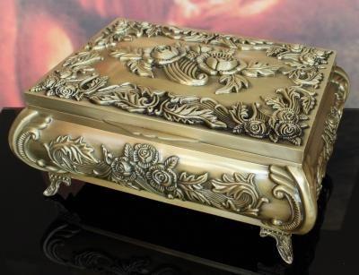 Szkatułka kuferek stare złoto róże