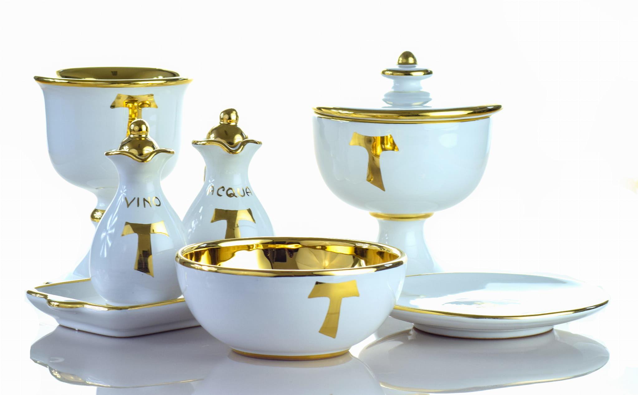 Zestaw liturgiczny, ceramika włoska
