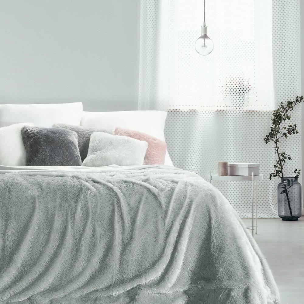 Koc narzuta 200x220 Tiffany srebrny włochacz pled dekoracyjny o strukturze miękkiego futra ze srebrną nitką